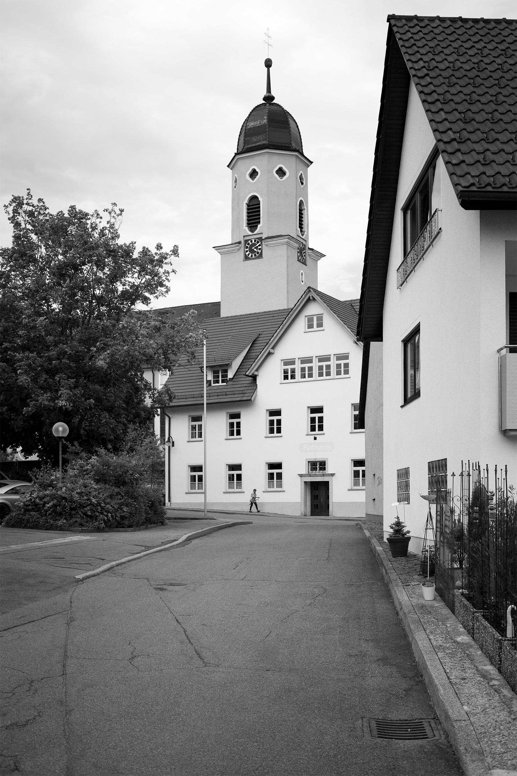Blick auf das Rathaus in Engstingen.