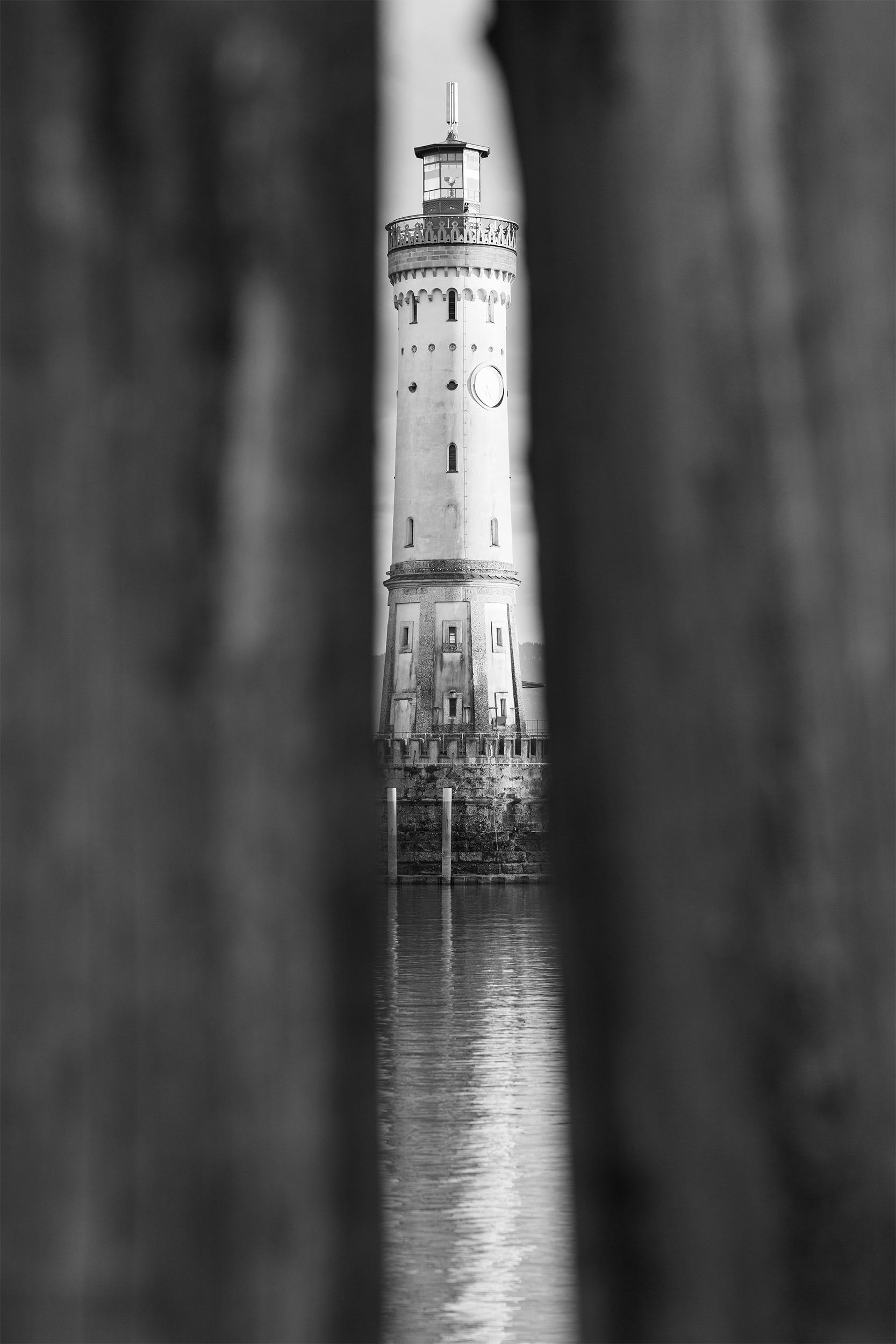 Der Leuchtturm am Lindau Hafen im Bodensee.