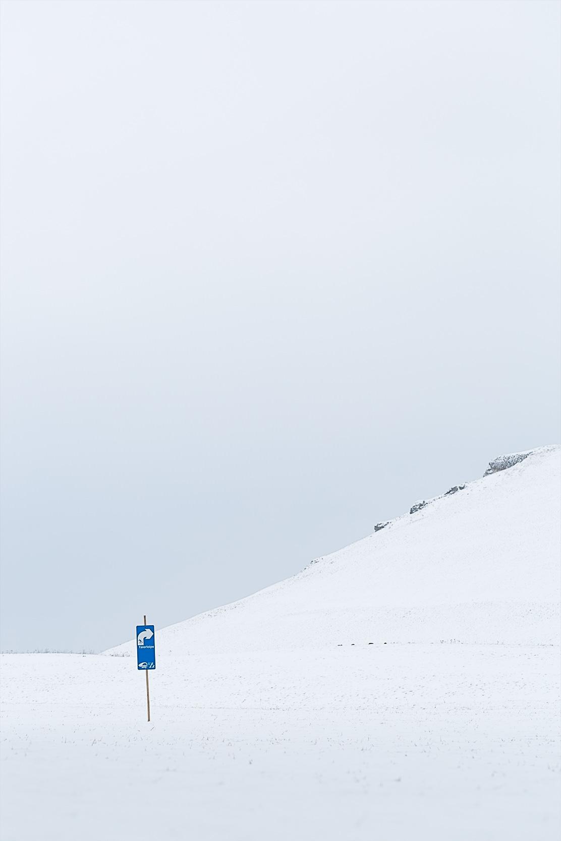 Schild der Langlaufloipe bei Undingen.