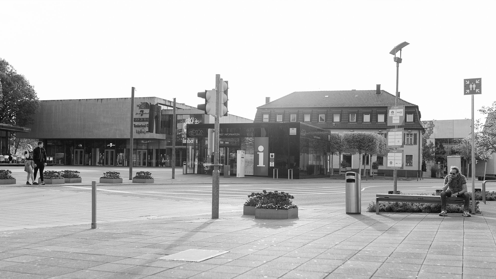 Strassenszene in der Outletcity Metzingen